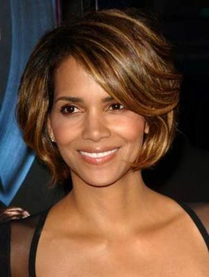 "10"" Wavy Short Wigs For African American Women The Same As The Hairstyle In The Picture"