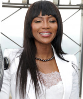 "20"" Long Straight Wigs For African American Women The Same As The Hairstyle In The Picture"