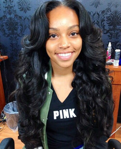 "24"" Wavy Long Wigs For African American Women The Same As The Hairstyle In The Picture"