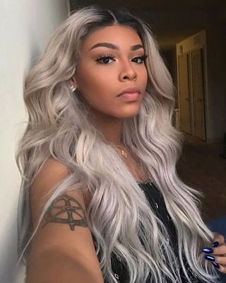 24 Inch Grey Wigs For African American Women The Same As The Hairstyle In The Picture