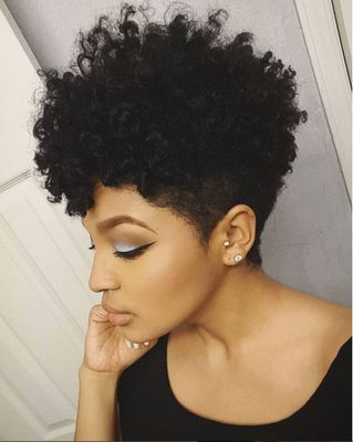 8 Inch Short Curly Wigs For African American Women The Same As The Hairstyle In The Picture kb
