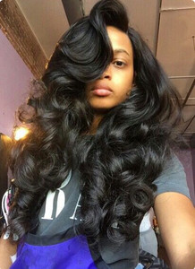 22 Inch Wavy Long Wigs For African American Women The Same As The Hairstyle In The Picture