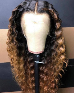 "24"" Long Curly Wigs For African American Women The Same As The Hairstyle In The Picture"