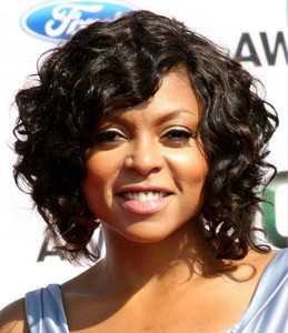 12 Inch Wavy Medium Wigs For African American Women The Same As The Hairstyle In The Picture